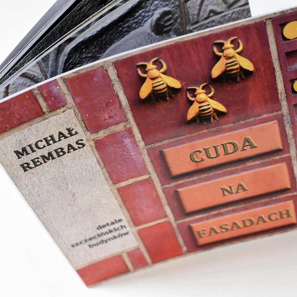 Michał Rembas - Cuda na fasadach - książka w oprawie miękkiej klejonej - front