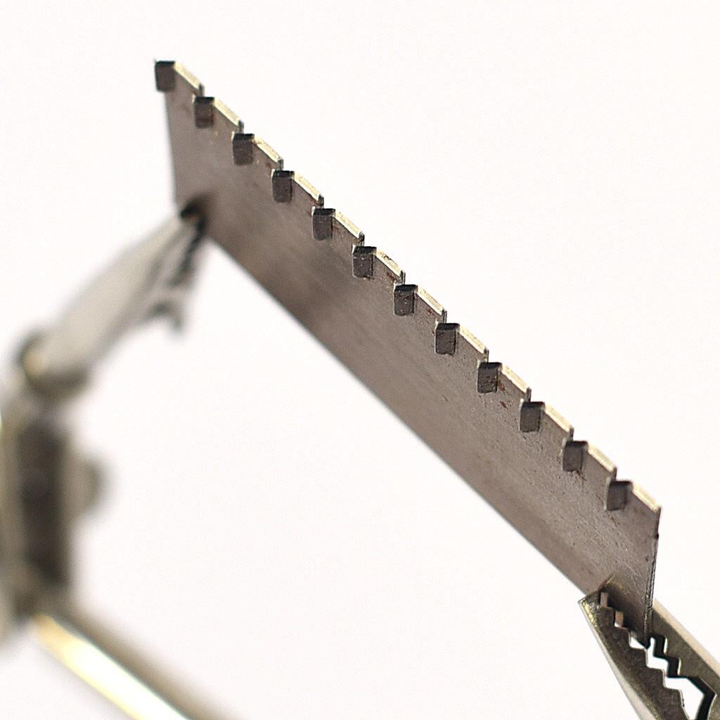 Taśma stalowa do wykonywania zamków w opakowaniu