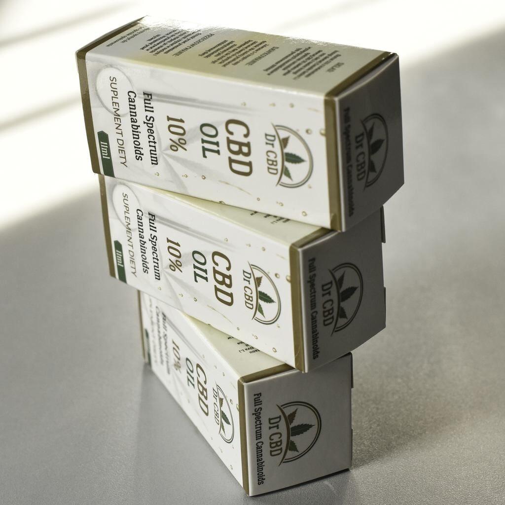 zdjęcie pudełka na cbd opakowanie z kartonu