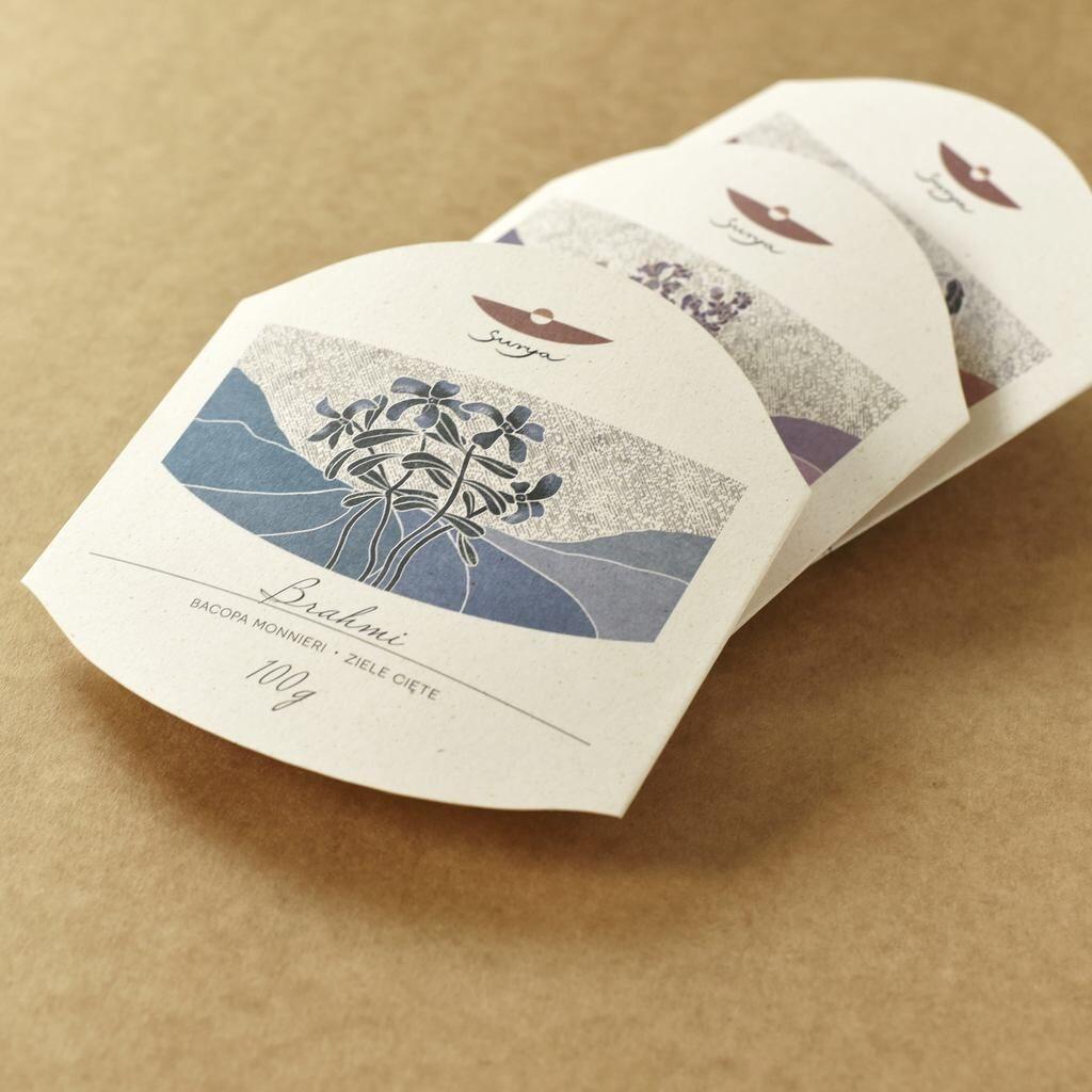 Zdjęcie etykiety na opakowanie wykonanej z papieru ozdobnego